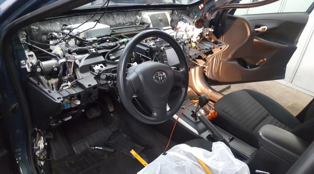 Автосигнализация StarLine A93 на Toyota Corolla 2006